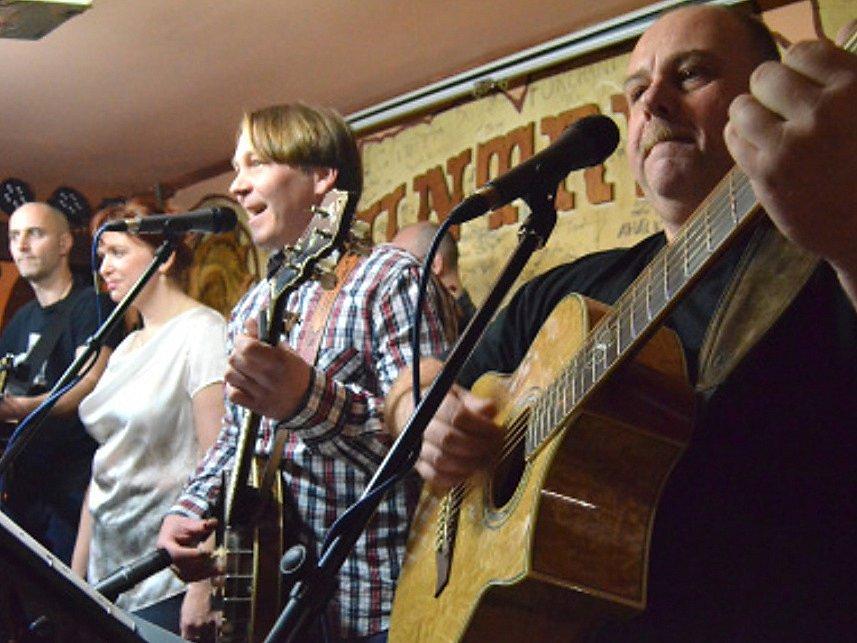 Křest prvního CD kapely Dřeváci v Kladenském Country klubu Dřevák