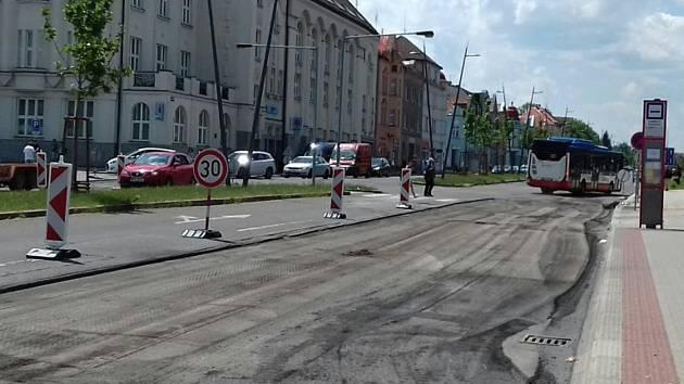 Frézování na čtyřproudovce v Kladně.