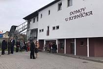 Ze slavnostního otevření nového domova pro seniory v Žižicích.
