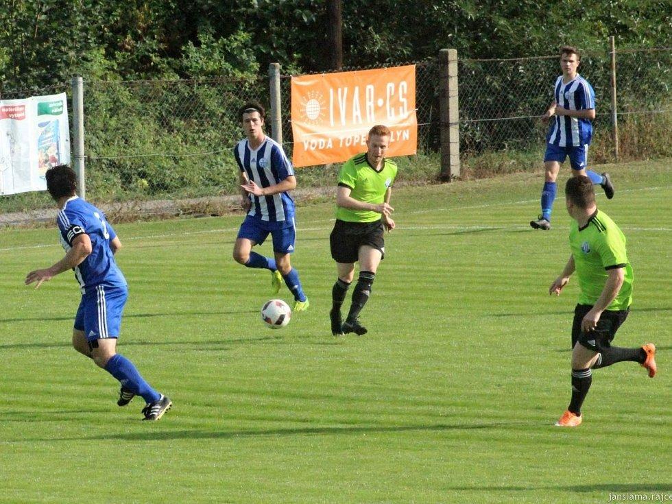 Dynamo Nelahozeves porazilo Čechii Velká Dobrá (v pruhovaném) jasně 4:0