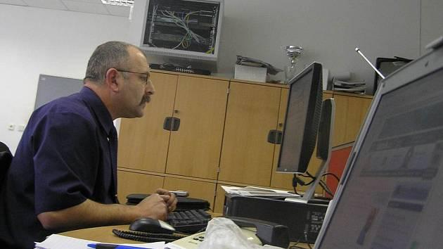 Ředitel městské policie Stanislav Procházka odpovídal na dotazy čtenářů.