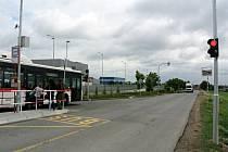 Chytrá zastávka Kožovská v průmyslové zóně Kladno - Jih.