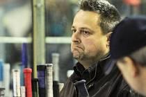 Milan Volf na kladenské hokejové střídačce.