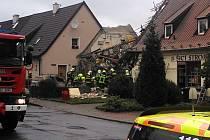 Výbuch plynu v ulici 5. května v Kladně. Exploze dům kolem jedenácté hodiny roztrhala