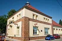 Opravený Dělnický dům v Kamenných Žehrovicích