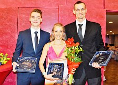 Běžkyni Kateřině Kašparové dělali společnost volejbalista Tomáš Hýský a mladý stolní tenista Jan Valenta.