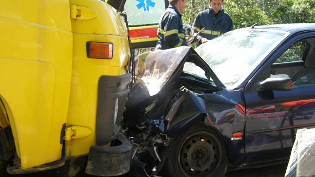 Dopravní nehoda se stala ve středu dopoledne u odbočky na Dříň.