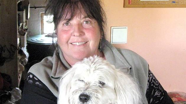 Majitelka psího útulku v Buštěhradu na Bouchalce Eugenie Sychrovská.