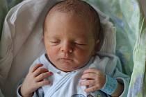 DANIEL SOLAR, MĚSTEČKO. Narodil se 31. srpna 2019. Po porodu vážil 3,18 kg a měřil 49 cm. Rodiče jsou Olga Jandová a David Solar. (porodnice Slaný)