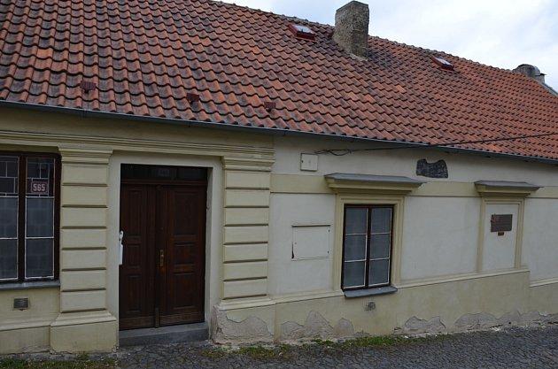 9. zastavení – ulice Na Hradbách č.p. 565.Vtomto domě se narodila Olga Scheinpflugová.