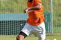 Slaný (v oranžovém) remizovalo s Admirou 1:1. Kubaška v akci