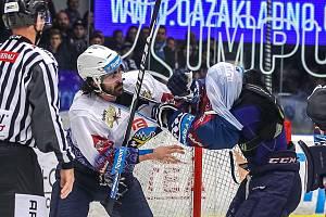 Kladno naposledy doma porazilo Plzeň 7:5. Ladislav Zikmund se ochotně pustil do převlékání Lukáše Kaňáka