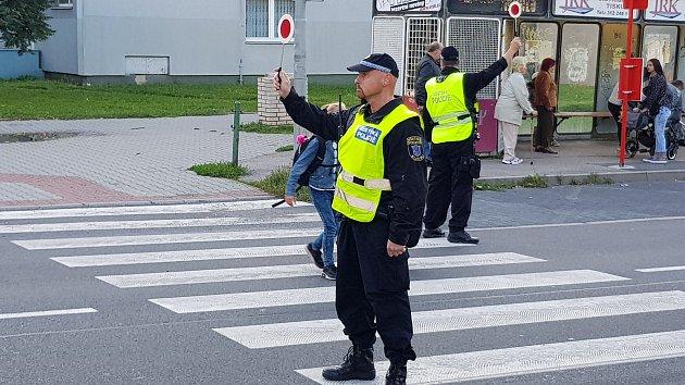 Strážníci opět dohlíží na bezpečí školáků.