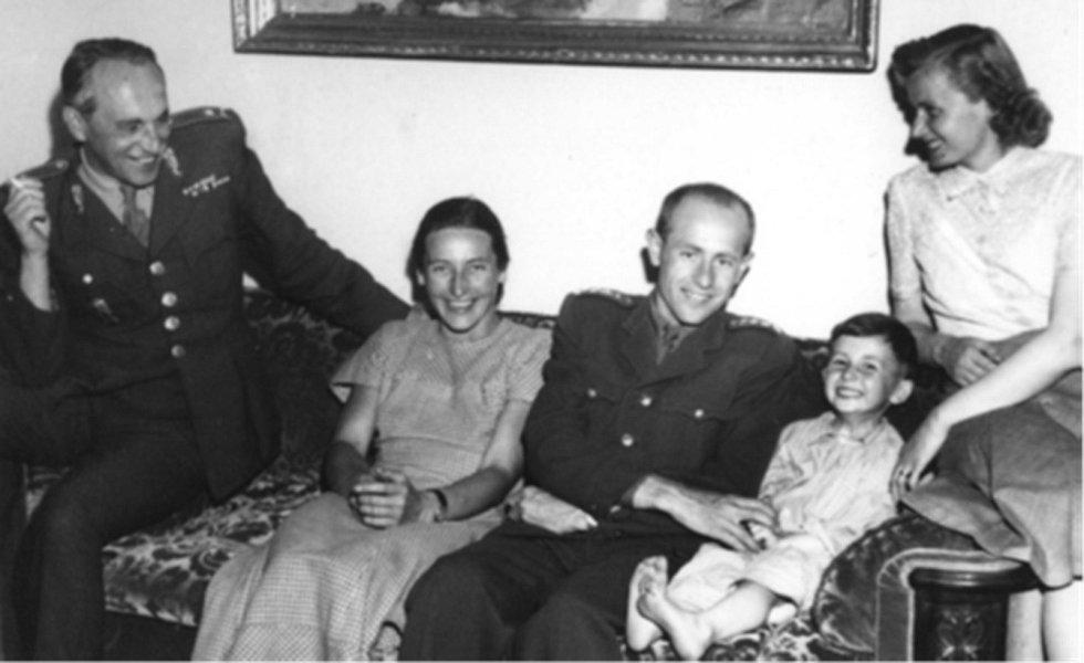 Syn Jaroslav vzpomínal na svého otce jako na člověka, který měl rád život. Na snímku při návštěvě Emila a Dany Zátopkových.