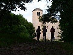 Fotografka z Tuchlovic i s rodinou tentokrát na výletě na horu Říp.