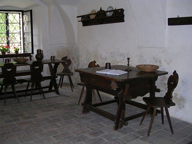 Třebízská pouť přilákala návštěvníky pod skálu i do skanzenu.