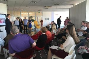Skupina honorárních konzulů navštívila firmu Linet