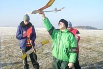 Mladí slánští modeláři získávají velmi dobrá místa na soutěžích smodely volných větroňů kategorie A3.