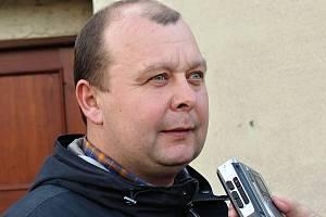 Předseda fotbalového Slovanu Velvary David Vedral.