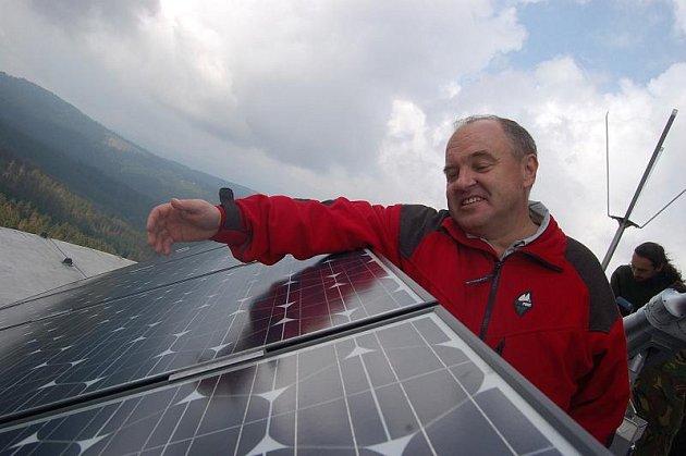 Fotovoltaických elektráren přibude co nevidět na Kladensku jako hub po dešti.