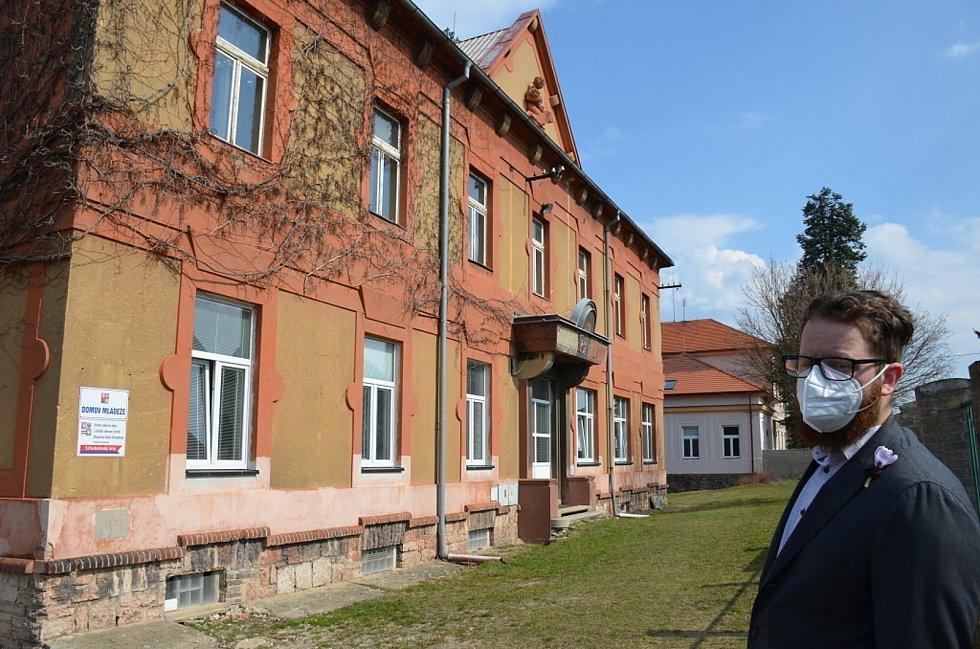 Nad Střední odbornou školou a Středním odborným učiliště Stanislava Kubra ve Středoklukách se stahují mračna. Podaří se školu zachovat?