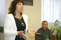ZPĚVAČKA Eva Hurychová byla populární v osmdesátých letech minulého století. Coby vdaná žena byla obětí domácího násilí. Dnes se proto snaží pomáhat druhým.