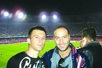 MARTIN  Koiš (vlevo) se svým italským kolegou při Lize mistrů Neapol – Villareal.