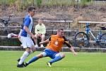 Brandýsek (v oranžovém) si pozval k přípravě Doksy a vyhrál nad nimi 3:1.