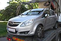Řidičům, kteří včas nepřeparkují, hrozí odtah vozidla.