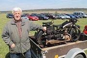 Motoburza a burza starožitností na letišti ve Velké Dobré