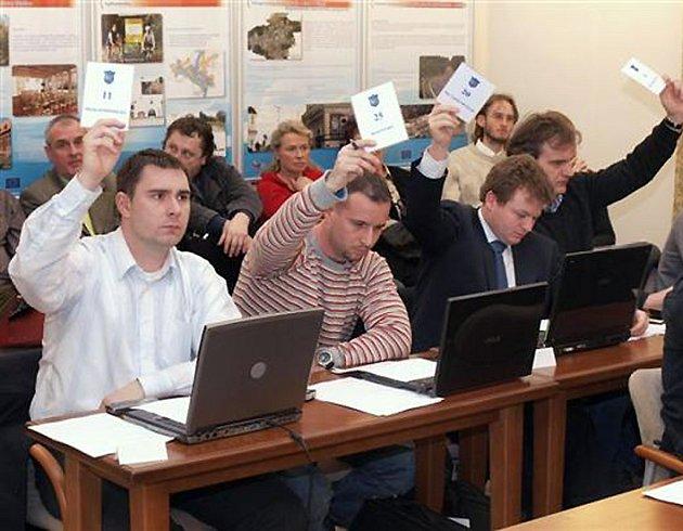 Zastupitelé Kladna se nakonec po určitých nejasnostech ohledně dotací na letošním rozpočtu shodli.