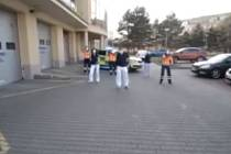 Do výukového tance se pustili i středočeští záchranáři