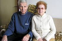 Diamantovou svatbu oslavili letos, 14. února 2008. Celý život jsou jeden druhému pevně oddaní a věrní.