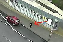 Šipkou je označen pachatel krádeže.