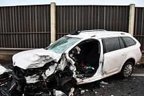Nehoda na silnici číslo I/16 u Velvar.