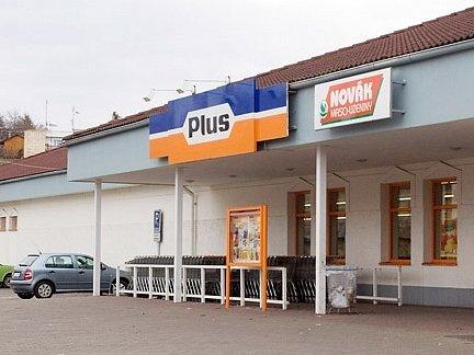 Zákazníci slánského Plusu tvrdí, že k napadení ochrankou nedošlo v obchodě poprvé.