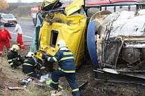 Jedna z mnoha tragických nehod u Slaného v roce 2012
