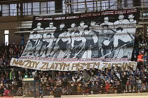 Kladno (v bílém) přehrálo doma v taháku WSM ligy České Budějovice 4:2.
