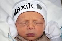 MAX ALBRECHT, HOLUBICE. Narodil se 13. února 2020. Po porodu vážil 2,64 kg. Rodiče jsou Petra Albrechtová a Pavel Albrecht. (porodnice Slaný)