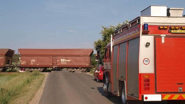 Sobotní nehoda vlaku s autem v Kladně