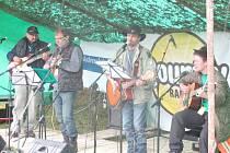 NA FESTIVALU vystoupí šestnáct kapel.