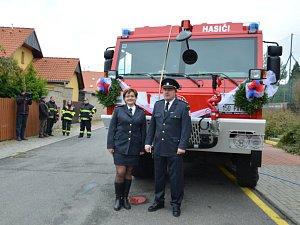 Dobrovolní hasiči z Braškova mají novou cisternu