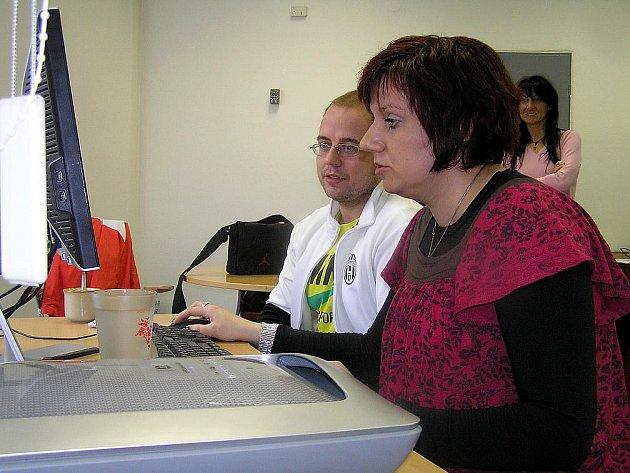 Na vaše dotazy odpovídali pracovníci Intervenčního centra pro oběti domácího násilí v Kladně.