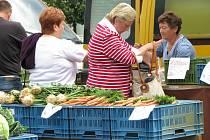 Farmářské trhy na náměstí Starosty Pavla v Kladně.