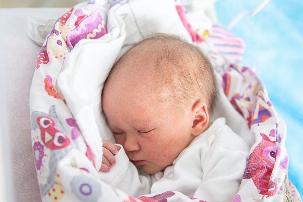 Melanie Procházková se narodila v nymburské porodnici 5. února 2021 v 17.28 hodin s váhou 2920 g a mírou 48 cm. V Lysé nad Labem bude holčička vyrůstat s maminkou Kristýnou, tatínkem Lukášem a bráškou Brunem (3 roky).
