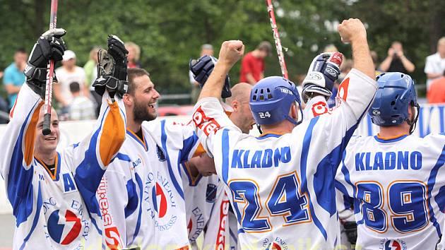 KEB Kladno - Hradec Králové v sezoně 2008/09. Tehdy Kladenští vyhráli finálovou sérii 3:0.