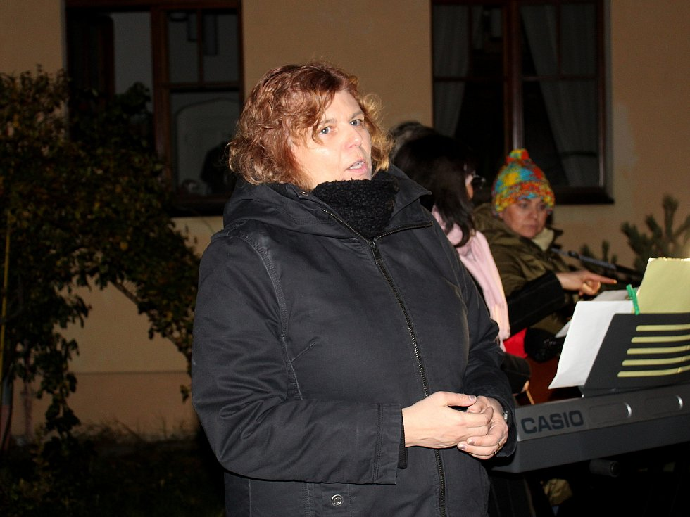 Z Česko zpívá koledy 2019 ve Středočeské vědecké knihovně v Kladně.