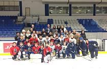 Zahraničním hostům se trénink malých hokejistů velmi líbil.