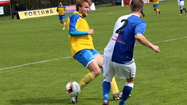 Vesnický fotbal v přímém TV přenosu! Doksy přivítaly Unhošť.