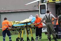 Zásah záchranářů u popáleného muže v Tuchlovicích.